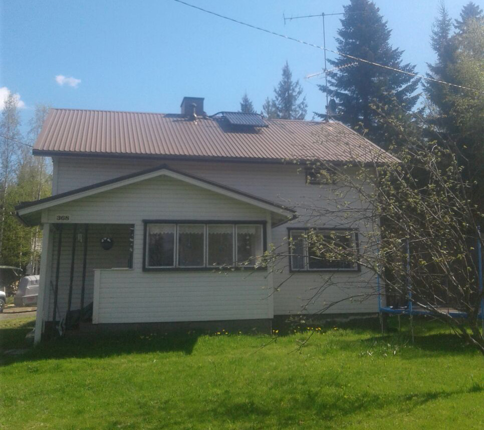 Capito-aurinkokeräin-(tyhjiöputkikeräin)-asennettuna---Saarijärvi_Keski-Suomi