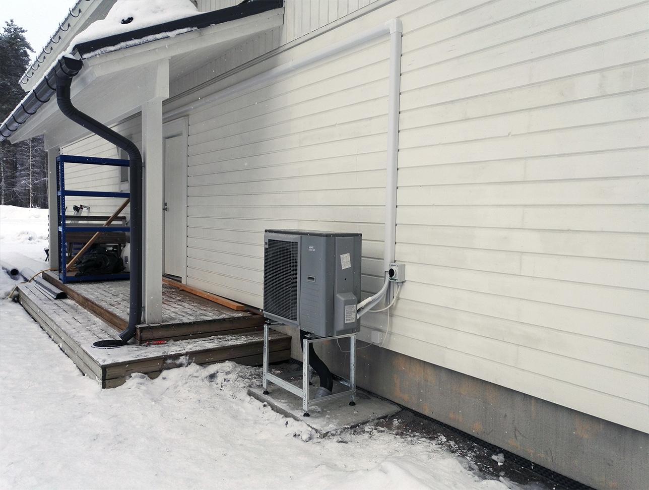 Jäspi Basic Split ilma-vesilämpöpumppu - järjestelmä toiminnassa (4)