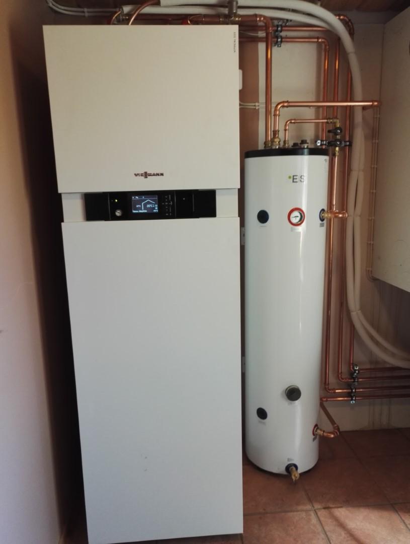 Viessmann Vitocal 222-S 8 kW ilma-vesilämpöpumppu asennettuna, Saarijärvi - Keski-Suomi